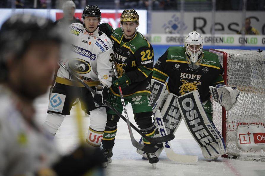 Kärpät otti kolmannen voiton puolivälieräsarjassa Raksilassa.