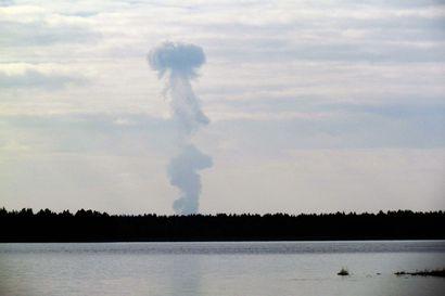 Puolustusvoimat raivaa sotien aikaisia räjähteitä Lapissa tällä viikolla – myös Keminmaan Kallinjärvi listalla