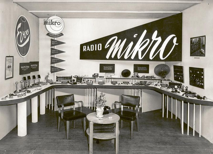 Radio-mikron osasto Radion Juhlamessuilla B-messuhallissa vuonna 1951.