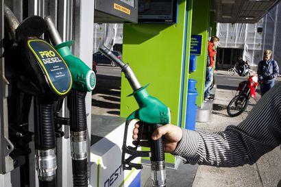 Veroäyrien kerääminen voi johtaa autokannan modernisoitumiseen – ensi viikolla voimaan tuleva polttoaineen hinnannousu saattaa myös eriarvoistaa kaupunkeja ja maaseutua