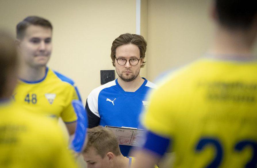 Valmentaja Jani Lipsasen mukaan pelaajatuotannon omavaraisuus on OLS:lle tärkeä arvo.