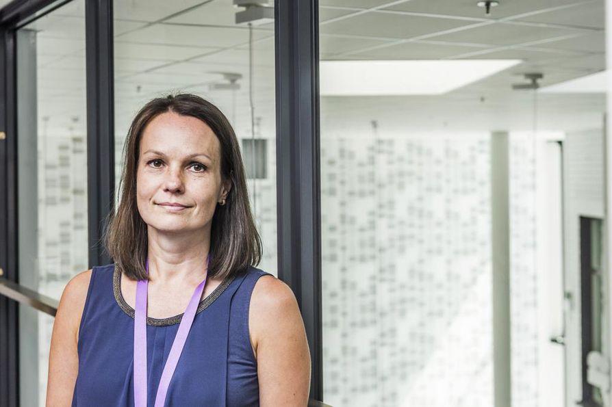 Auria Biopankin vt. johtaja Lila Kallio kertoo, että veri- ja kudosnäytteitä tarvitaan koko ajan lisää. Jos näytteitä ei ole riittävästi, on hankala löytää esimerkiksi tautien harvinaisia muotoja.