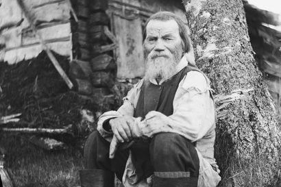 Elääkö erakkomunkin jälkeläisiä Kuusamossa – Samuli Paulaharju ehti tavata lajinsa viimeisen persoonan Tavajärvellä vuonna 1917