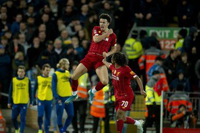 Varamiehinen Liverpool voitti cupissa Evertonin – teini-ikäinen Curtis Jones ratkaisi unelmavedolla