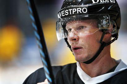 """Mika Pyörälä oli tyytyväinen kauden avaukseen: """"Kolmas erä oli tyylikäs esitys"""""""