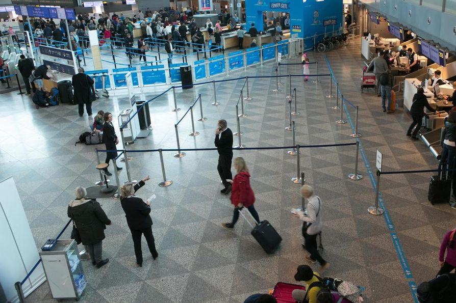 IAU on uhannut haitata lentoliikennettä keskiviikkona, torstaina ja perjantaina, jos sopua ei synny.