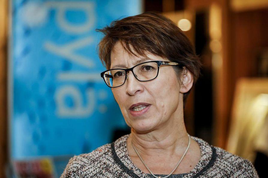Kristillisdemokraattien Sari Essayah pärjäsi parhaiten niistä tuplaehdokkaista, joiden sitoutuminen europarlamenttiin oli epäselvä.