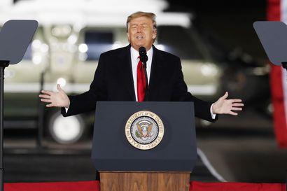 Analyysi: Somejätit päätyivät poikkeuspäätöksiin mainehaitan pelossa – Presidentti Trump etsinee postauksilleen nyt uuden alustan