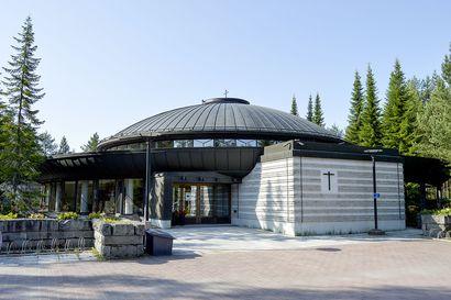 Oulun seurakunnat järjestävät matalan kynnyksen kastehetkiä syyskuussa – huolehtivat käytännön järjestelyistä ja kakkukahveista