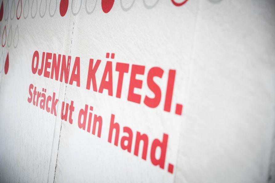 Suomessa tarvitaan joka vuosi noin 20¿000 uutta verenluovuttajaa. Erityisesti kaivataan uusia O-negatiivisia henkilöitä, joita on suomalaisista vain viisi prosenttia.