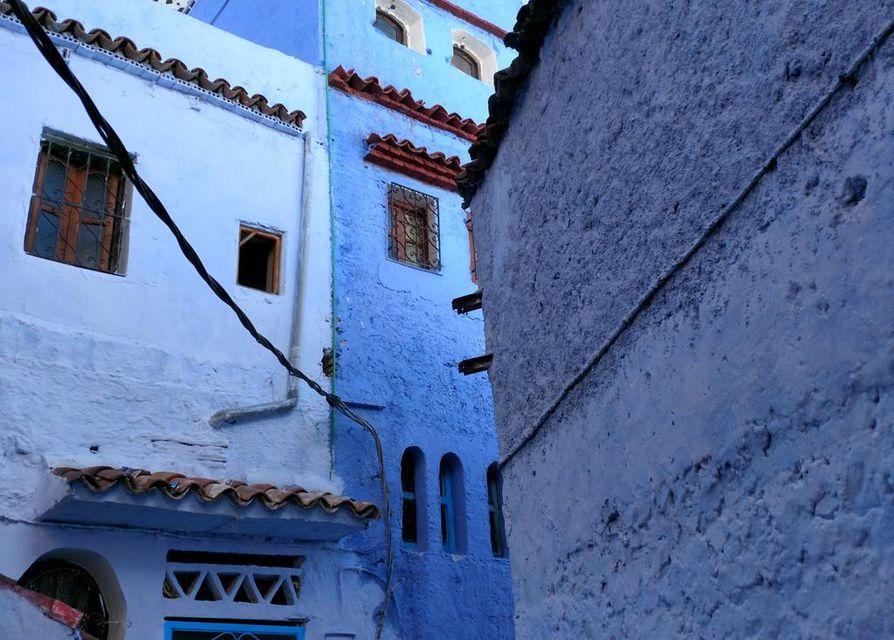 Chefchaouenin medinan siniset talot luovat tunnelmaa.