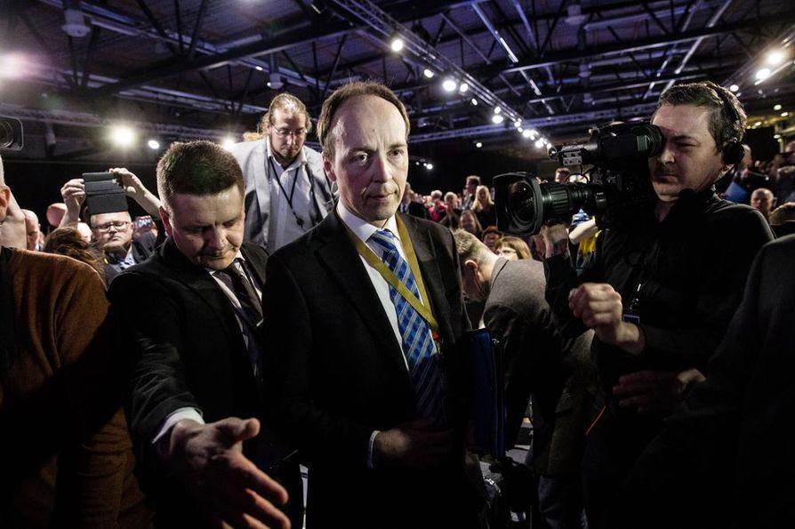 Perussuomalaisten Jussi Halla-aho valittiin puolueen puheenjohtajaksi lauantaina.