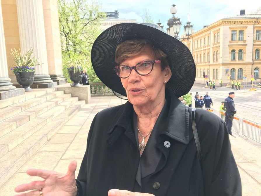 Kansanedustaja Sirkka-Liisa Anttila (kesk.) piti Helsingin tuomiokirkossa järjestettyä Koiviston siunaustilaisuutta juhlavana ja vaikuttavana.