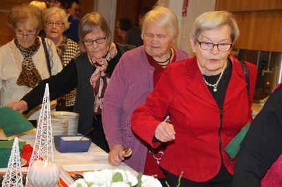 Kaiken kansan joulupuurolle odotetaan yli tuhatta henkeä – Pudasjärven seurakunnan tapahtuma on yleisömenestys