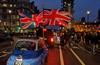 Brexit on totta! Britannian liput liehuivat eikä yhtään tähtilippua näkynyt samassa kuvassa.