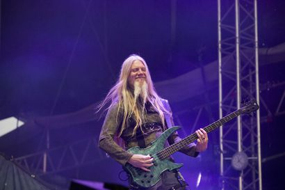 """Marko Hietala lopettaa Nightwishissä ja vetäytyy julkisuudesta – """"Olen todella pettynyt moniin asioihin"""""""