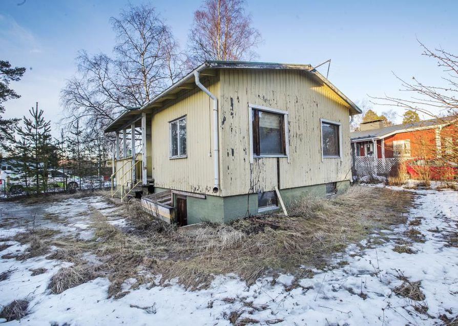 Pariskunta sopi kaupat kiistan alla olevasta talosta syksyllä 2018. Rakenneavauksissa sen kunto osoittautui ostajien odotuksia huonommaksi.