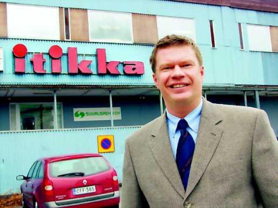 Lihantuottajien edusmies. Toimitusjohtaja Reijo Flink pitää työnsä antoisimpana osana yhteydenpitoa viljelijäkuntaan. Se avartaa hänen mielestään ajatusmaailmaa.