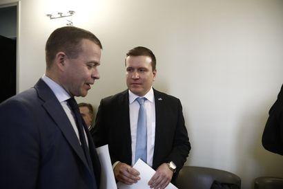 """Perussuomalaiset vihjailivat euroerosta, kokoomus ahdisti EU-yhteisvastuulinjasta - Eurooppa-ministerin vastaus: """"Kalman katkuisia kaikuja"""""""