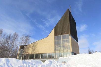 Kirkonkellot soivat raskaan rauhan muistoksi – Lapissa useita muistojuhlia