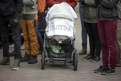 Analyysi: Ketä Suomen pitäisi deittailla?