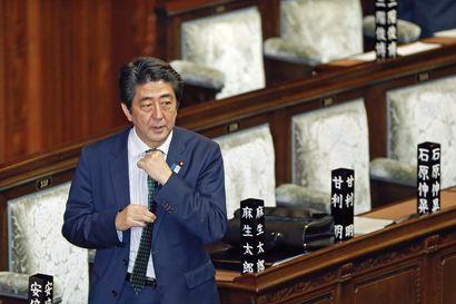 Koronapandemia syönyt eroavan pääministerin kannatusta – Shinzo Abe jättää tehtävänsä terveysongelmien vuoksi