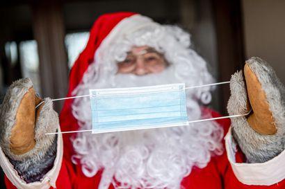 Maski päähän ja menoksi? Ministeriö suosittelee, että joulupukki vilkuttaisi tänä jouluna ikkunasta, mutta pukilla voi olla muita suunnitelmia