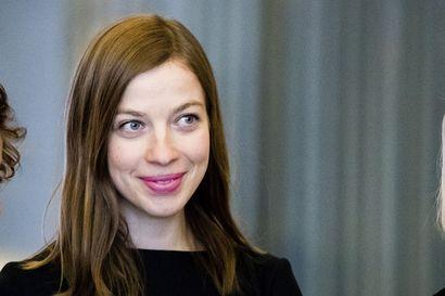 Opetusministeri Li Andersson odottaa lasta – Laskettu aika uudenvuoden aikaan