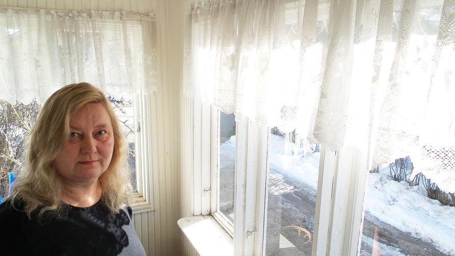 Lahden Hennalan vankileirillä tapahtuneita naismurhia tutkinut Marjo Liukkonen uskoo, että ilman oikeudenkäyntejä teloitettuja naisia löytyy arkistoista vielä lisää. Tähän mennessä hän on löytänyt 218 naisen tiedot.