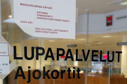 Aselupaa voi joutua odottamaan Lapissa yli kuukauden – poliisin lupapalveluissa on ruuhkaa, Lapissa tilanne eteläistä Suomea parempi