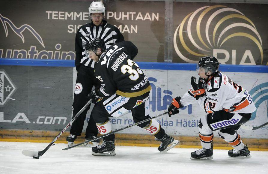 Mikael Ruohomaa loukkaantui lauantain HPK-ottelussa.