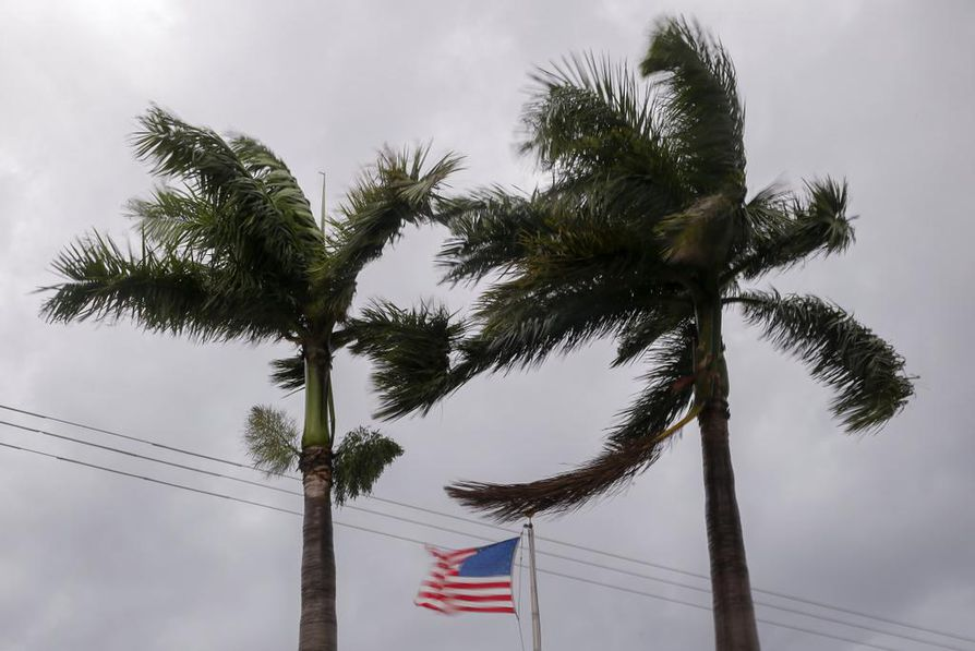 Floridan evakuointimääräystä laajennettiin lauantaina niin, että sen piirissä oli jo 6,3 miljoonaa ihmistä.