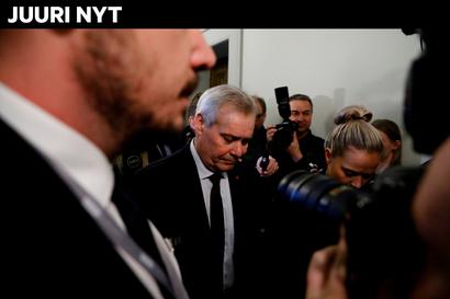 Mediat: pääministeri Antti Rinne valmis eroamaan – näin hallituskriisi etenee: keskustalla ei luottamusta, sdp:n eduskuntaryhmä kokoustaa ja Marin lentää Suomeen