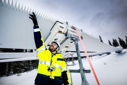 Simo pohtii pitkää suojaetäisyyttä tuulivoimaloiden ja asutuksen välille