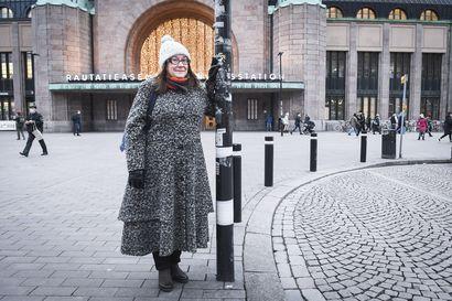 Auttamisesta tietokirjan kirjoittanut Mari Manninen ei suosittele kenellekään vapaaehtoistyötä kehitysmaan orpokodissa