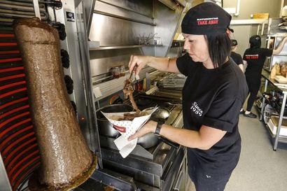 Korona pakottanut erityisesti ravintoloiden käytäntöjä uusiksi: Raahessa tarjolla nyt runsaasti kotiinkuljetuksia