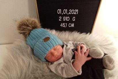 Tervetuloa maailmaan pieni poika-Salonen! - vuoden 2021 ensimmäinen vauva syntyi Tornioon