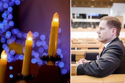 Kiista joulujuhlista: Apulaisoikeusasiamies totesi kirkkojuhlat laittomiksi –Lohi syyttää perustuslakivaliokunnan yli kävelemisestä