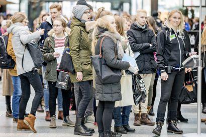 Johtajuus kiinnostaa tyttöjä – nuorten näkemykset itselleen sopivista aloista ovat kuitenkin yhä hyvin perinteisiä ja sukupuolittuneita