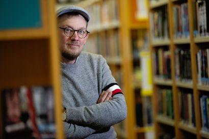 Heikki Lahnaoja kirjoitti pienoisromaanin epäonnisesta laivanvarustuksesta, Janne Nevalan teos kertoo kenkätehtaan kirjanpitäjästä – kirjastonjohtajien kirjoja juhlitaan Facebook-livessä