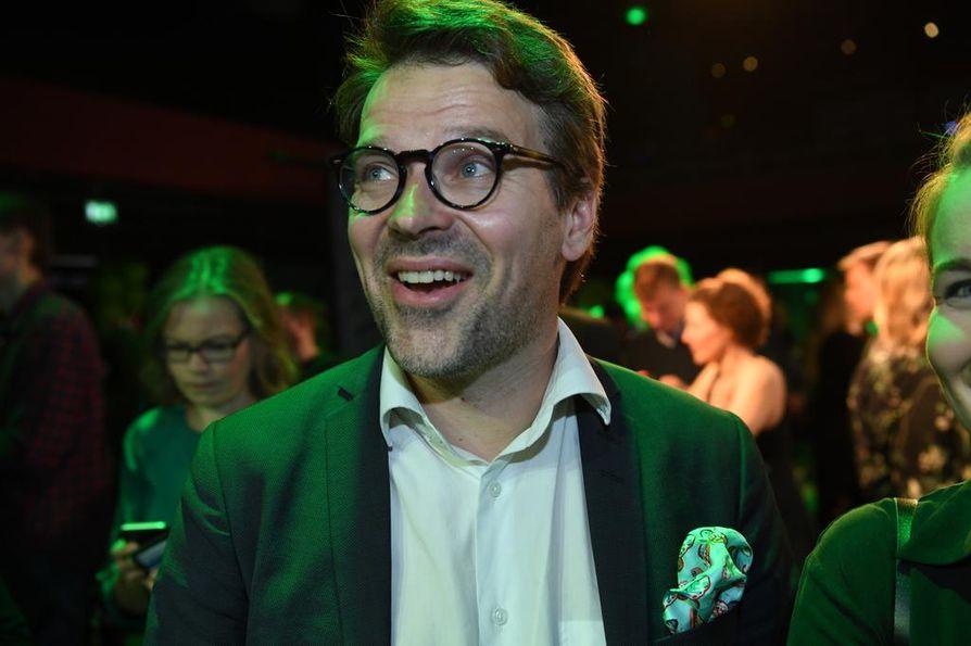 Ville Niinistö (vihr.) oli jo sunnuntai-iltana valmis lähtemään töihin. Hän totesi, että äänimäärä, jonka hän sai, on vahva tuki ihmisoikeuksien, tasa-arvon ja ilmaston puolesta.