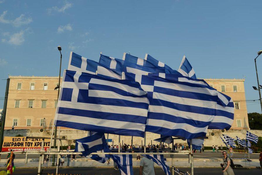 Kreikan parlamentti on äänestänyt uuden lainaohjelmaesityksen puolesta.