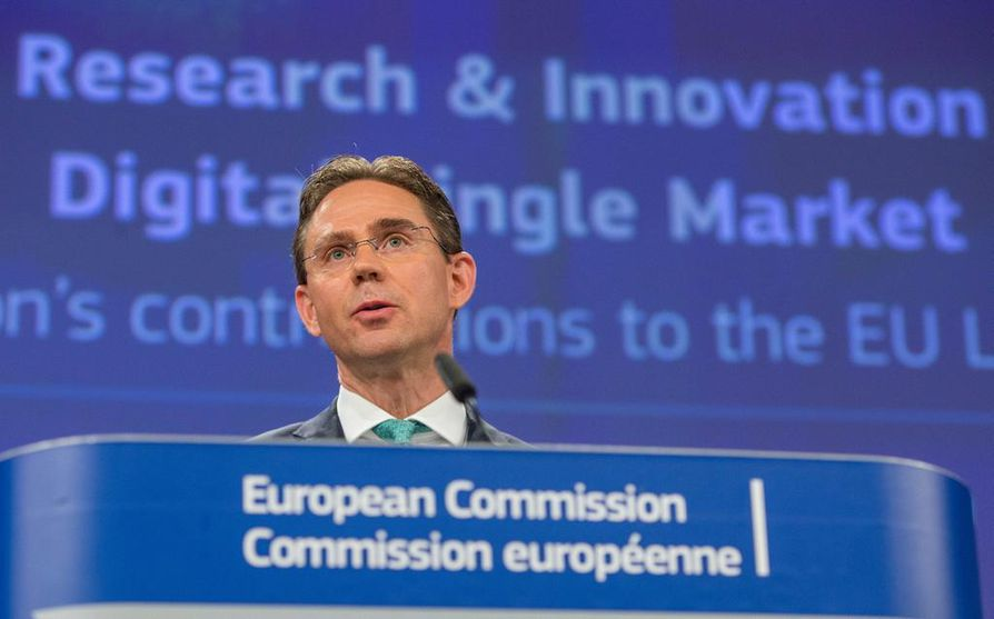 Euroopan komission varapuheenjohtaja Jyrki Katainen aikoo valaista omia jatkoaikeitaan viimeistään syyskuussa.