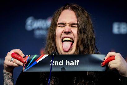 """""""Se on varma, että lauantaina illalla Blind Channel juhlii ankarasti"""" – Euroviisu-voiton mahdollisuus on oululaisyhtyeen laulajan mielestä yhtä lailla kutkuttava kuin hirvittäväkin"""