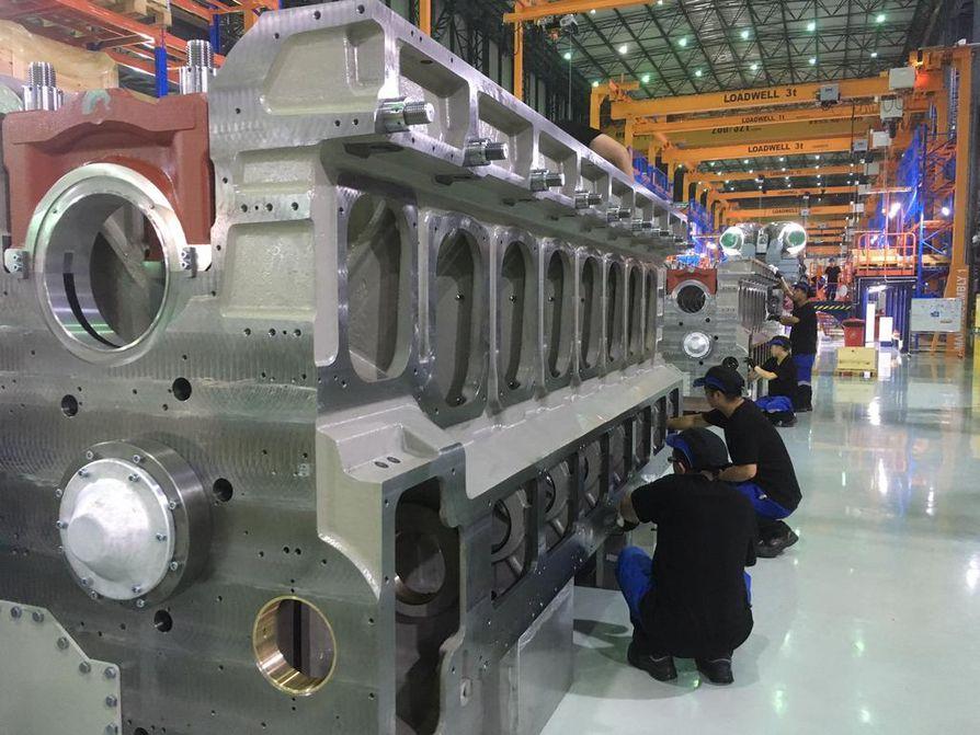 Wärtsilän laivamoottoreihin on tarjolla jatkossa myös hybridiratkaisu, joka säästää polttoainetta tasaamalla kulutushuippuja.