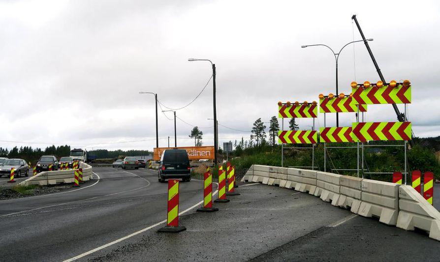 Pohjantiellä on tehty tietöitä. Nelostien parannushanke etenee nyt Oulun pohjoispuolelle.