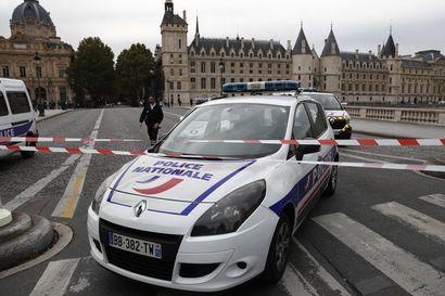 Puukkomies hyökkäsi poliisiasemalle Pariisissa – iskussa kuoli viisi henkilöä