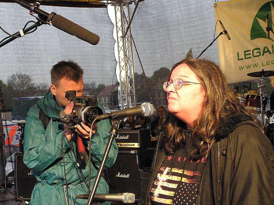 Bushka Bryndova on julkkis, jonka tekemisiä tshekkimedia seuraa tiiviisti.