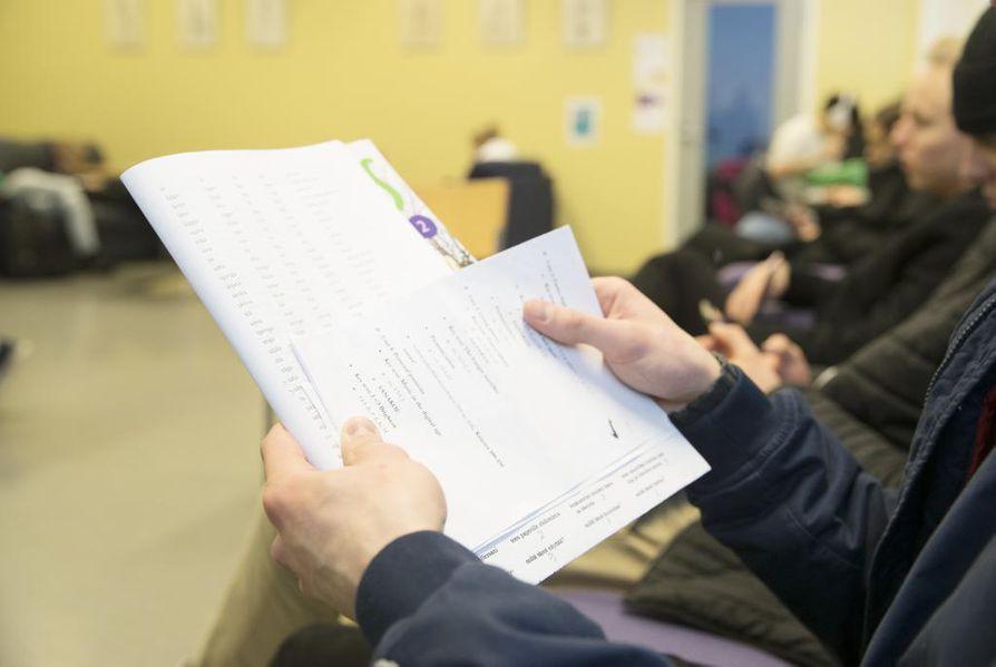 Korkeakoulujen valintaperusteet tulevat toisen asteen opiskelijoiden tietoon entistä aikaisemmin.