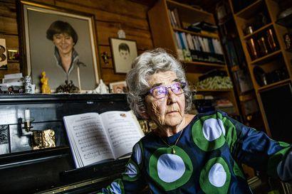 Saara Mustosen ainoa tytär kuoli 16-vuotiaana alppimaajoukkueen valmennusleirillä – Onnettomuudesta on pian 42 vuotta, mutta äitiä valvottavat yhä vastausta vaille jääneet kysymykset